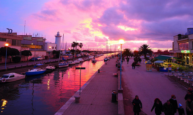 Вечерний порт, Виареджио
