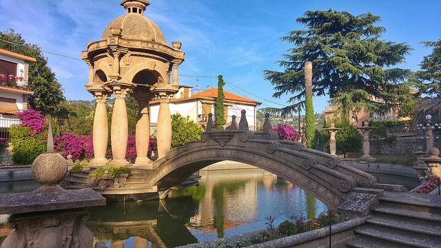 Империя, Италия