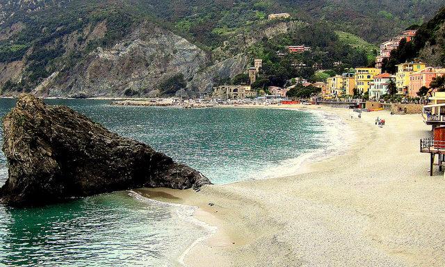 Пляжи Монтероссо