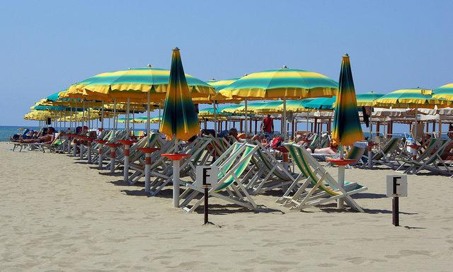Пляжи в Виареджио