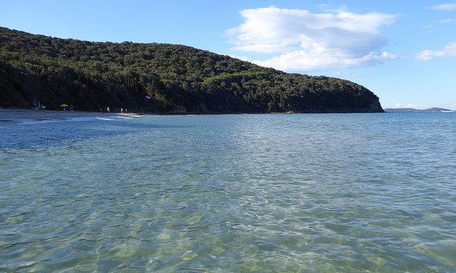 Море на побережье Фоллоники