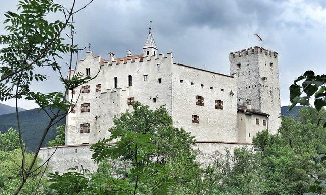 Замок в Брунико